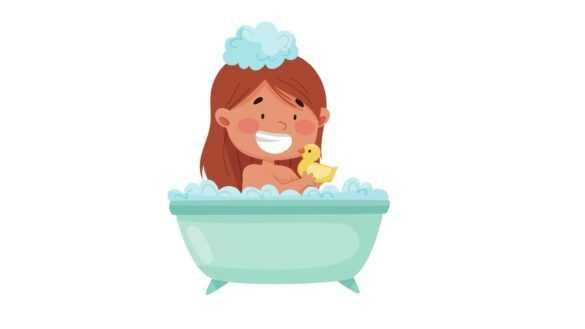 banyo yapan küçük kız